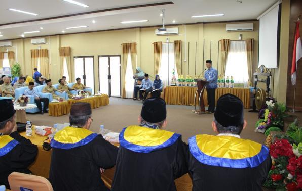 Sekda Yan Megawandi menyampaikan arahannya sekaligus membuka secara resmi kegiatan STQ Korpri tingkat Provinsi