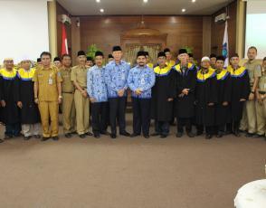 Sekda Yan Megawandi berfoto bersama dewan Juri dan dewan hakim kegiatan STQ Korpri tingkat Prov. Kep. Babel
